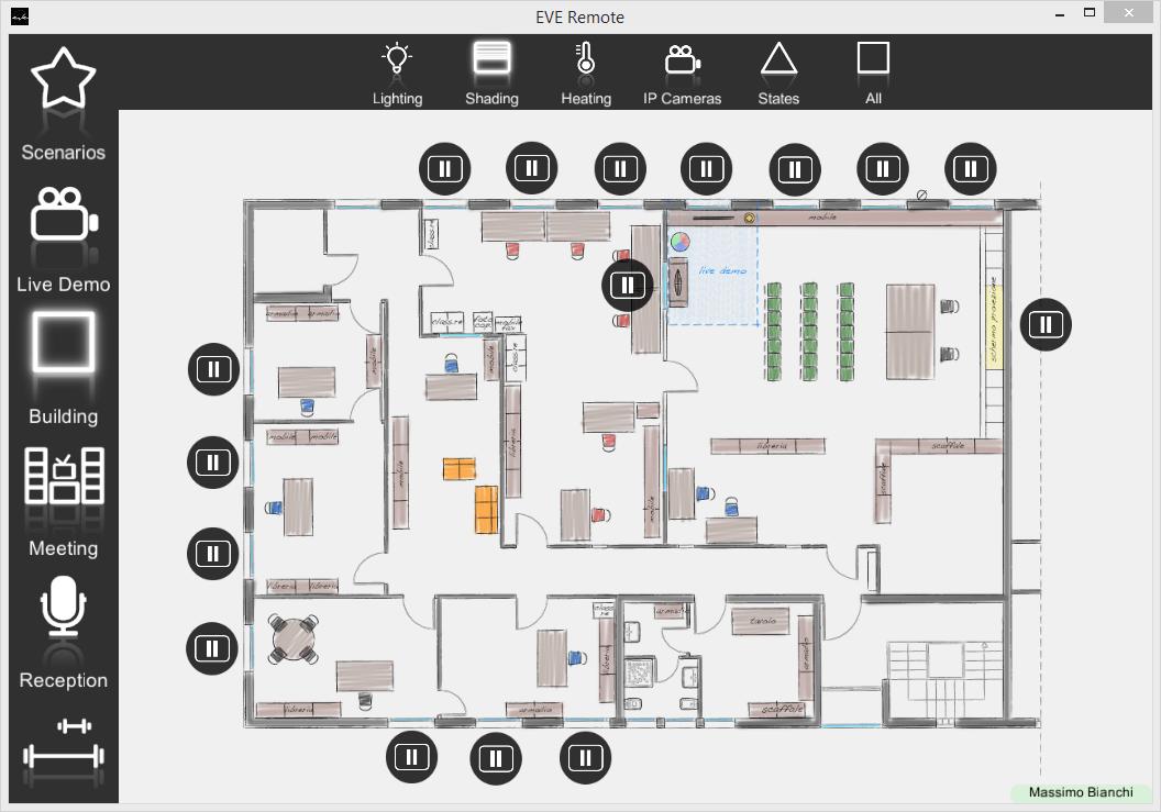 Come viene rappresentato il primo menù all'interno dell'interfaccia utente dell'applicazione per il controllo della domotica EVE Remote Plus